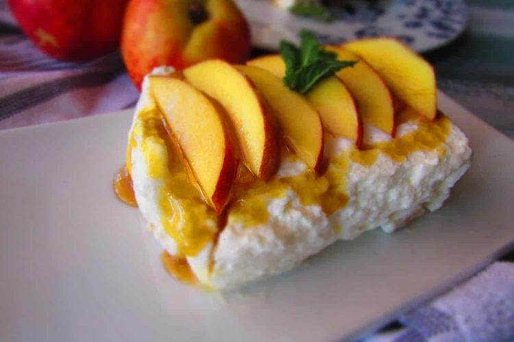 Creamy Cheesecake with Biscuit Base and Peach Flavours