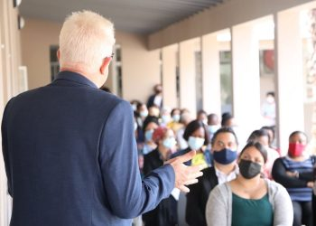 Premier Alan Winde hears what Wynberg social workers have to say